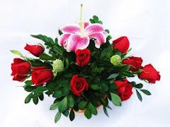 Canasta de Rosas y Lilium