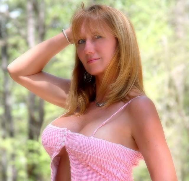 http://2.bp.blogspot.com/_pyu_ZhaM7Z4/TAYQAilz0RI/AAAAAAAAHE8/n3AGCKU5VPw/s1600/sexy+girls+(7).jpg