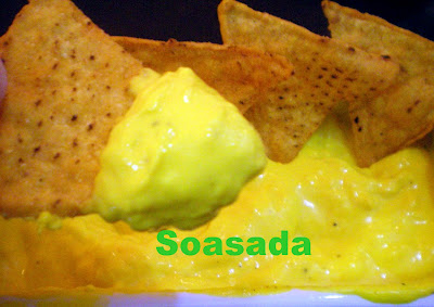 Nachos (Totopos) con salsa de queso 100_0155