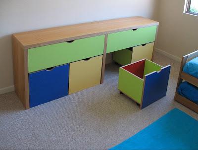 Madera noble mueble para ni os for Muebles de madera para ninos