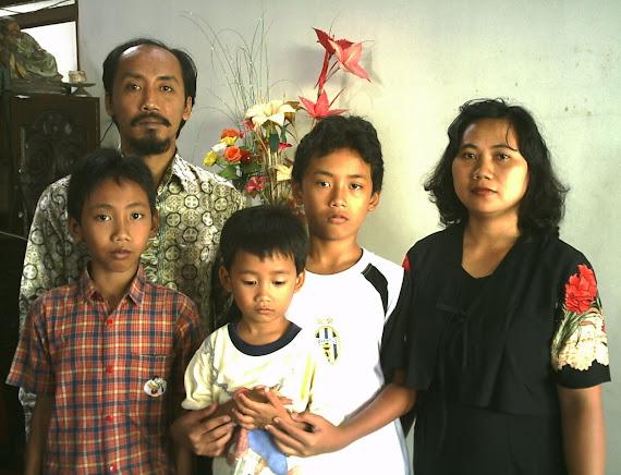 Keluarga Rosalia Suciningtyas