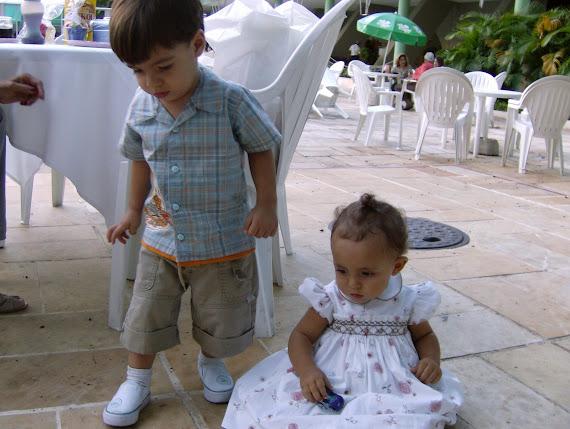 Nina e Guilhermo no dia em que completou 1 aninho