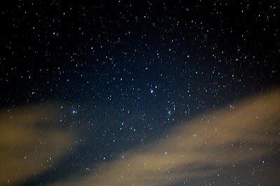 鹿林彗星。數千萬年的準備,只為在這一刻留下美麗的身影。