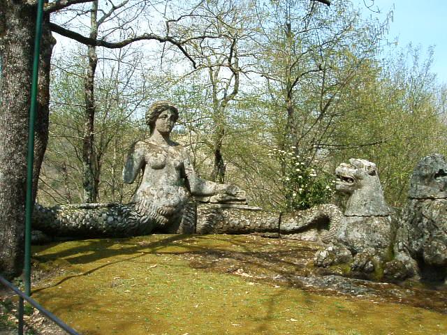 Garden tour en italia bomarzo paisaje libre for Jardines de bomarzo