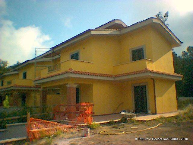 Pitture decorazioni tinteggiatura esterna con caparol muresko - Pitturare casa esterno colori ...