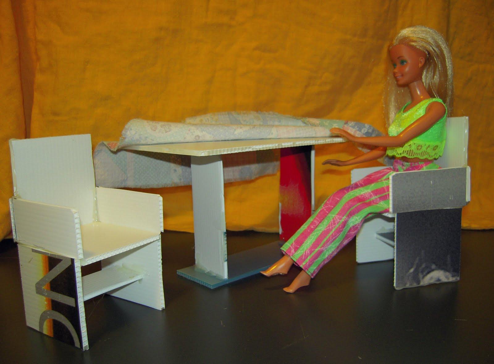 Mobili Per La Casa Di Barbie : Lotto barbie mobili vintage per casa di barbie poltrone sedie