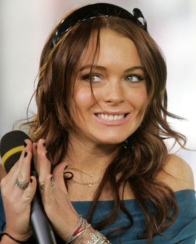 [lindsay-lohan-on-mtv-trl-may-8-3.jpg]