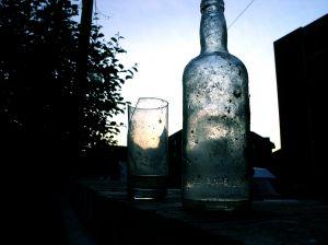 [531166_bottle_at_sunrise.jpe]
