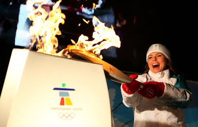 Shania Twain lights Olympic Torch