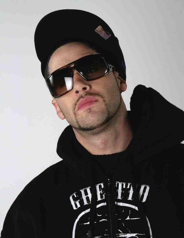 John_Brown_The_White_Rapper_Show