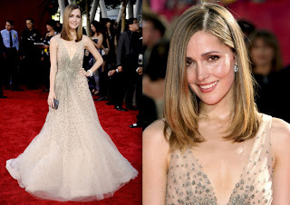 I'm not familiar with Rose Byrne or her show Damages, but the sparkling nude ...