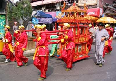 masyarakat cina di malaysia Tahun baru cina perayaan ini disambut secara besar-besaran oleh masyarakat cina di malaysia yang menandakan kedatangan tahun baru menurut kalendar mereka.