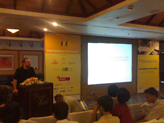 Jimmy Wales at FSFS.in