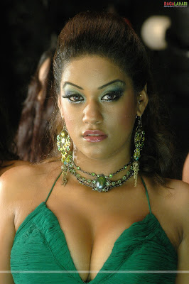 Mumaithkhan sexy wallpapers