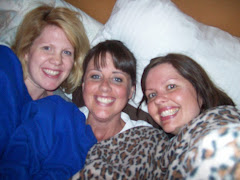 Annie, Amber, and Me, Rocking the Snuggie