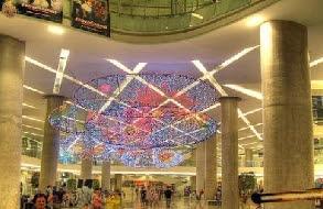 Esplanade Shopping Mall and Entertainment Complex in Bangkok