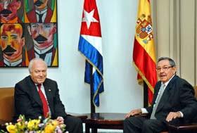 http://2.bp.blogspot.com/_qFBGyY-0KLU/RhN7OoC2sjI/AAAAAAAAAOU/lZWk5EO6iYY/s400/Raul+Castro+and+Miguel+%C3%81ngel+Moratinos.jpg