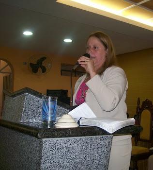 Pregando no encontro do CIRCULO DE ORAÇÃO
