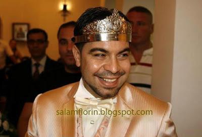 florin salam cu coroana pe cap in biserica poza