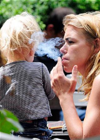 Por qué el fumar se considera la mala costumbre
