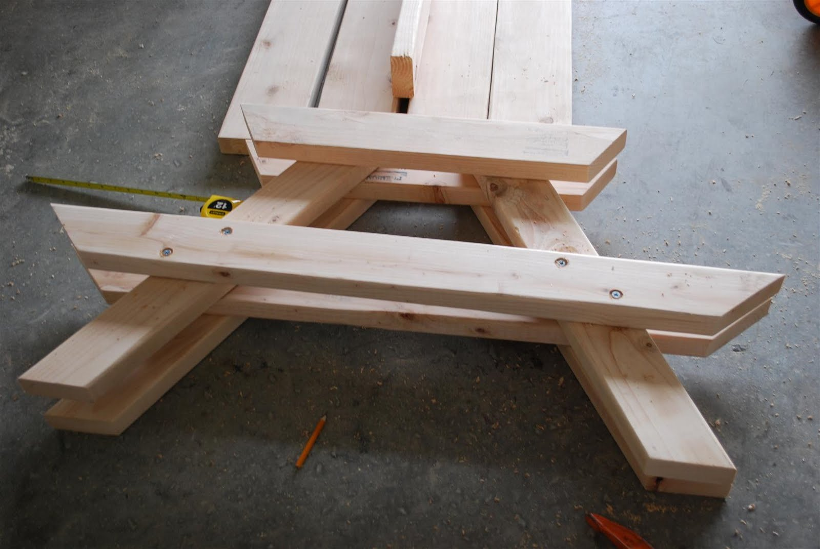 Kids picnic table - A Picnic Table For The Kids