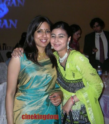 Hot NRI Aunties in Saree Photo Gallery http://rkwebdirectory.com