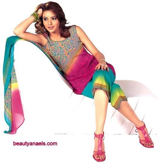 Aamna Shariff Boobs 88