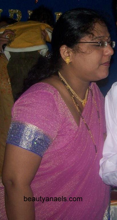 South Indian Actress Blue Film: Desi Mallu Aunty Photo