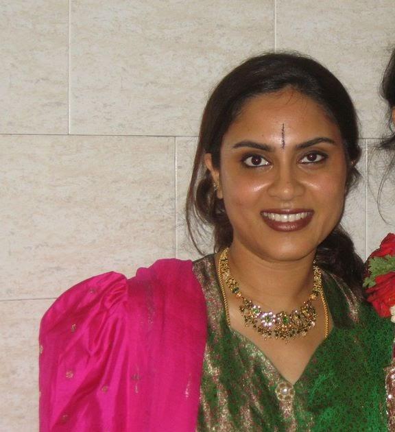 Beautiful Muslim Girls: Sexy NRI Aunties Boobs Show