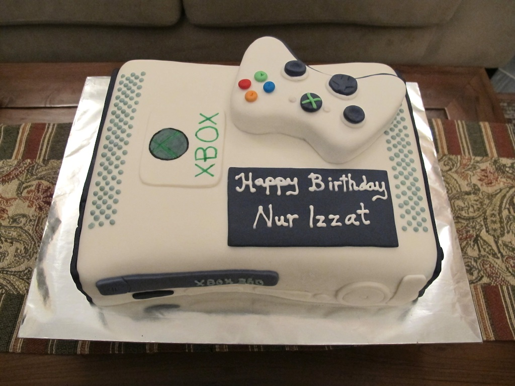 Pink Oven Cakes and Cookies: Xbox cake