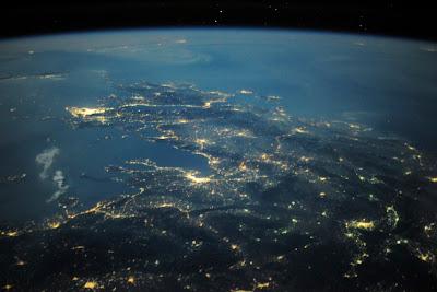 5196843845 cc986e98c7 b Foto Foto Stasiun Luar Angkasa NASA Terbaru 2011