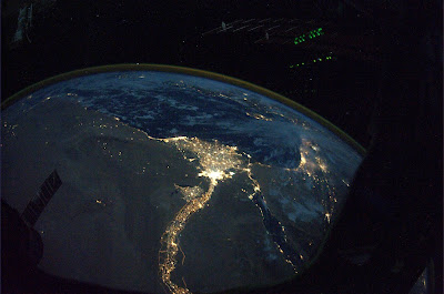 5197444958 2c91b9ee4c b Foto Foto Stasiun Luar Angkasa NASA Terbaru 2011