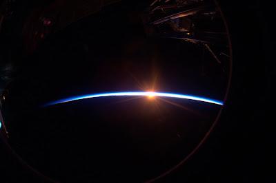5197445636 ee1ba96c09 b Foto Foto Stasiun Luar Angkasa NASA Terbaru 2011