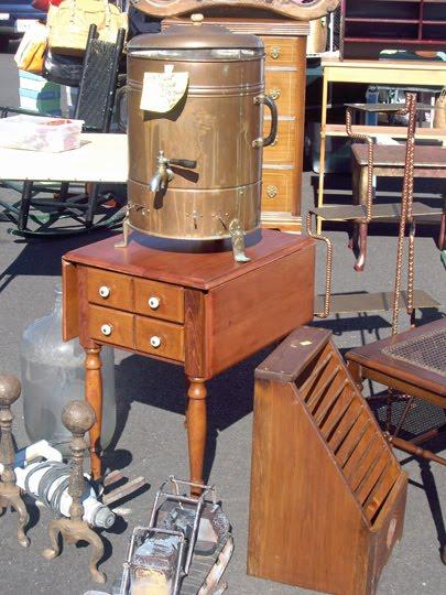 Becoming brimfield antique show flea market for Brimfield flea market