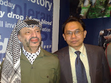 With Mr Yasser Arafat at Madame Tussaud Museum