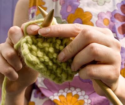 knitting hands 01 Beginner Knitting