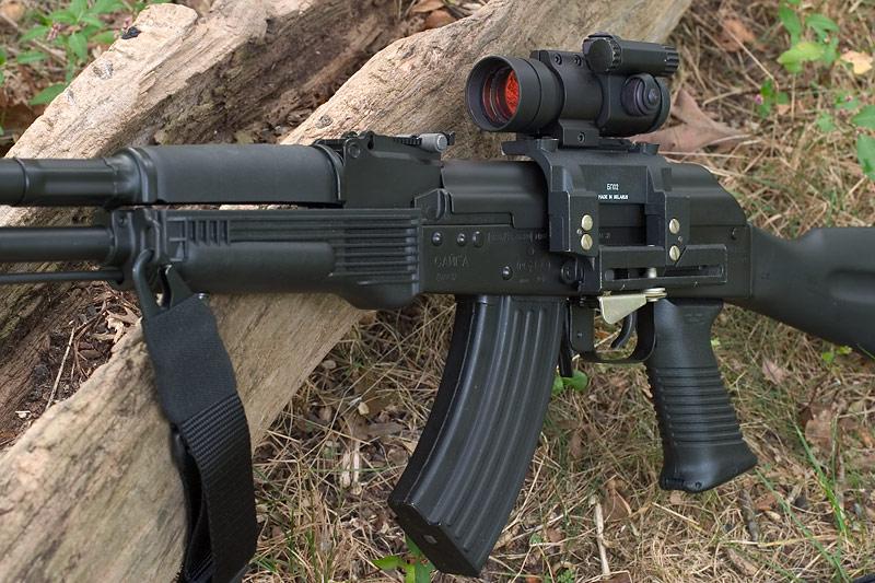 Venezuela fabricará fuzis Kalashnikov a partir de maio