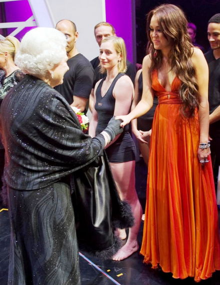 [miley-cyrus-meets-the-queen.png]