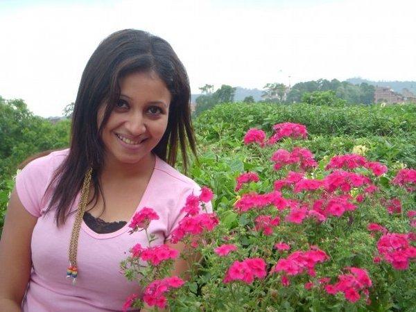 Bangladeshi Cute Actress Nafiza Karim hot photos
