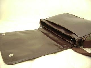 The notebook berguna biasa bahwa kita selalu membawa menulis sesuatu sekarang tas backpack bonjour berubah menjadi laptop.