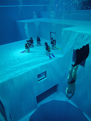 Scuba diving training pool deepest swimming pool in the world for Deepest indoor swimming pool in the world