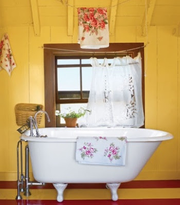 Nantucket bathroom