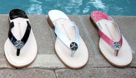 sandálias de couro feitas com medalhões starfish pewter