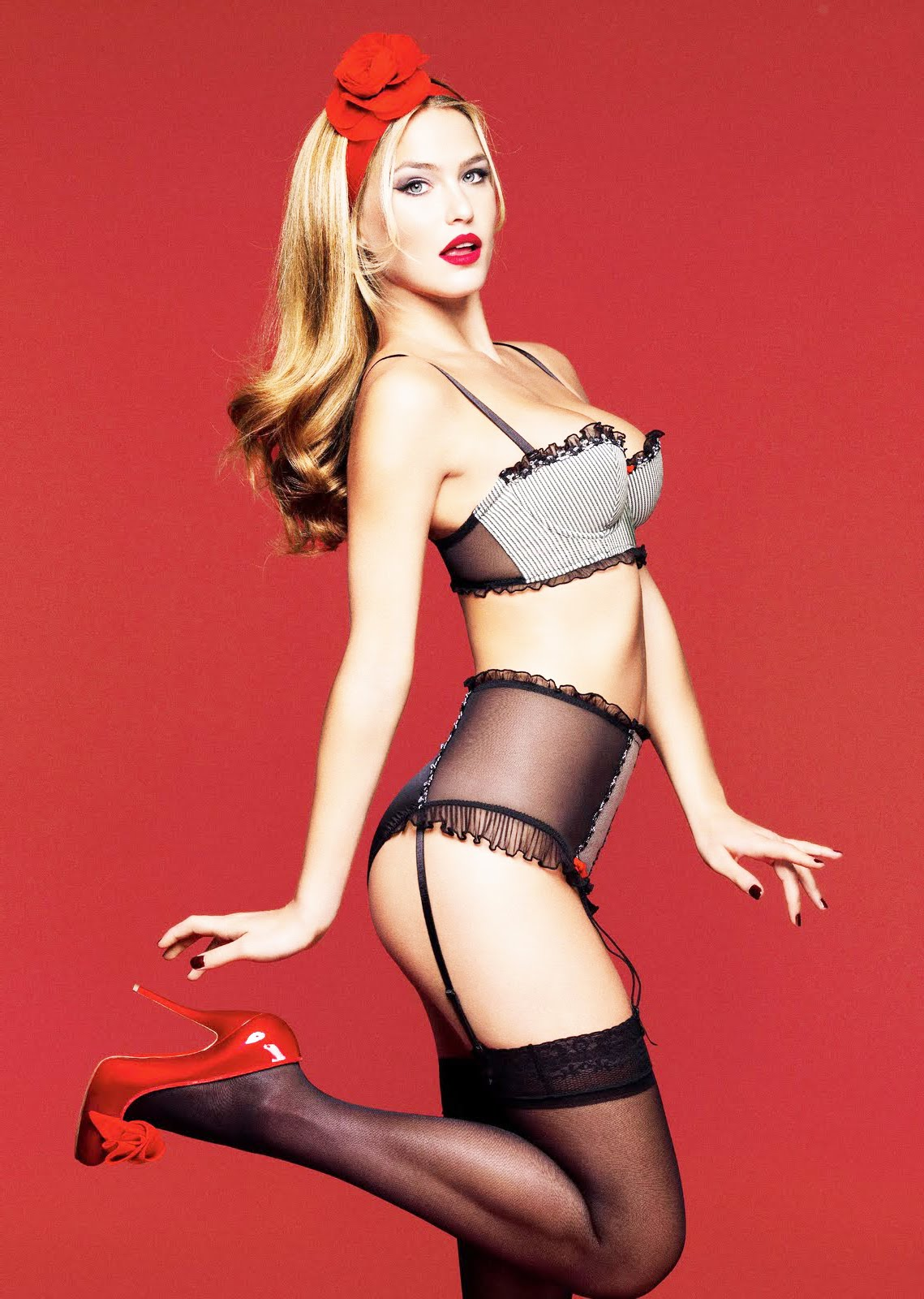 Pantyhose celebrities: Bar Refaeli in black Stockings :  refaeli black in pamtyhose