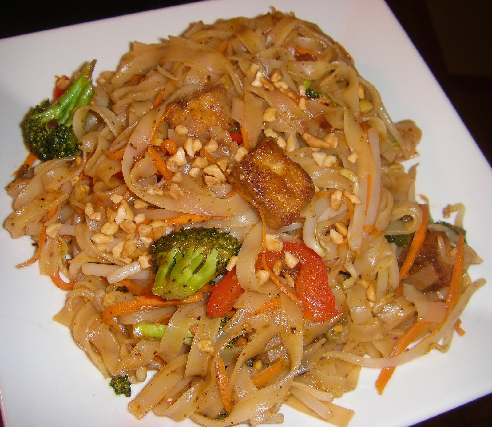Pad Thai With Tofu {Revisited} + Tofu Xpress Review   Opera Singer In The  Kitchen