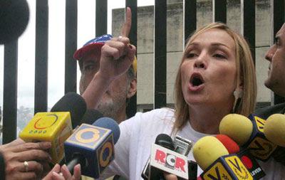 FABIOLA COLMENARES PROTESTÓ HOY EN VENEVISIÓN
