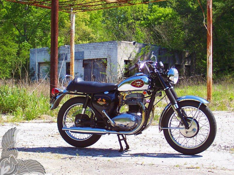zook's 1968 bsa a65 thunderbolt