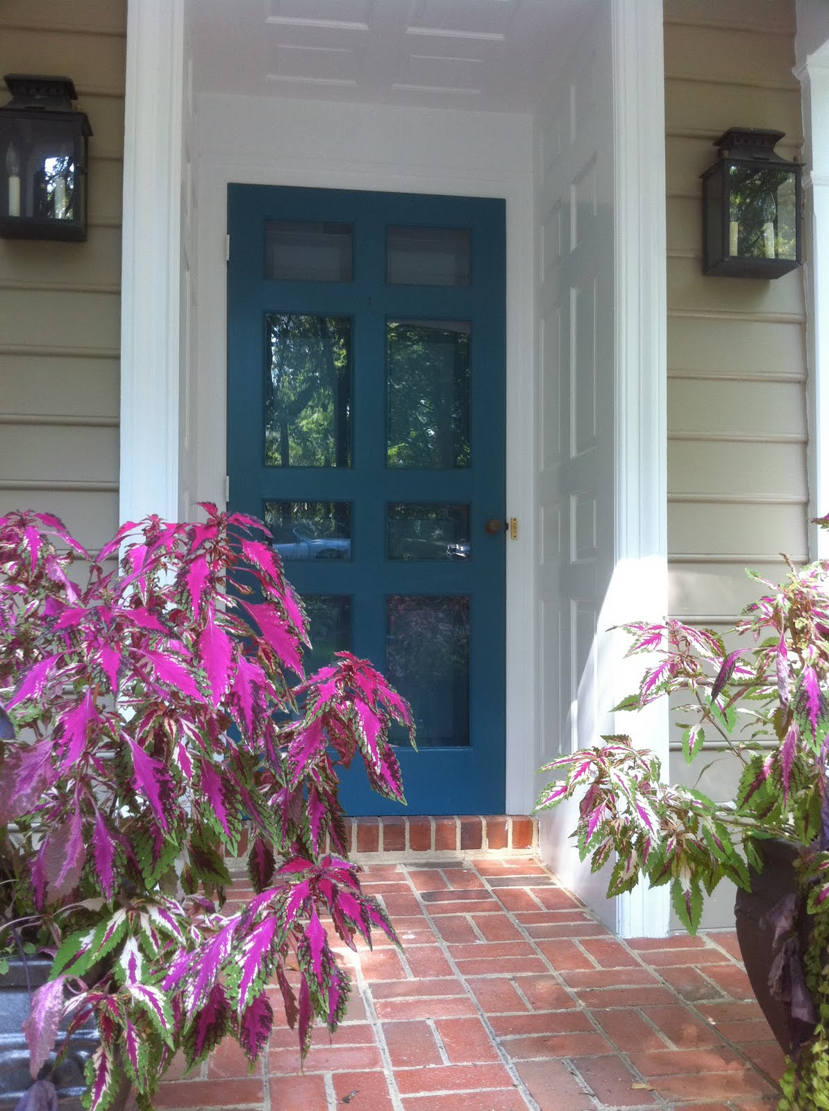 Bridget beari design chat exterior paint colors - Front door paint colors ...
