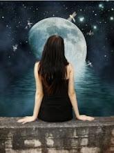 Mirando la luna pasan los tantos recuerdos de tí..