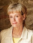 A color photo of Kathy Reichs.